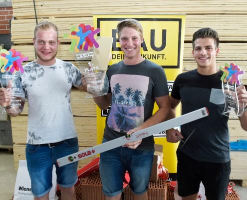 LandesLehrlingsWettbewerb 2017 - Jungmaurer; Siegerehrung Mathias Schwinger/2.Platz, Fabian Hanke/1.Platz, Michael Zlamy/3.Platz ©fritzpress